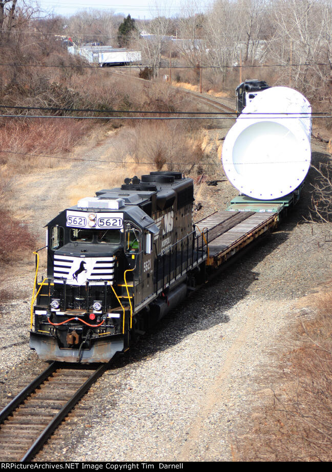NS 5621 on W999 Air Products high & wide move.